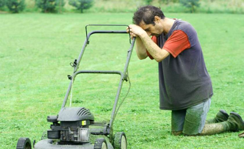 How to fix a lawn mower that won't start and what troubleshooting method